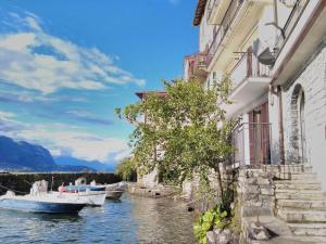 Sweet lake - AbcAlberghi.com