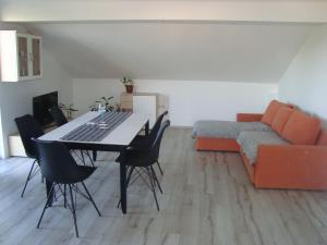 Lana Apartment