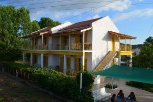 obrázek - Yellow House