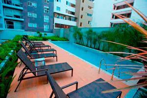 Upper pool Apartment in Pardo, Miraflores.