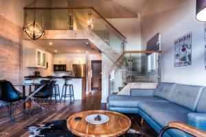 obrázek - New 2 Bedroom Luxury Condo w/ Breathtaking views