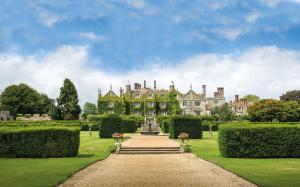Eastwell Manor (1 of 25)