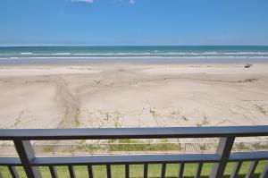 Sea Coast Gardens III 302, Dovolenkové domy  New Smyrna Beach - big - 1