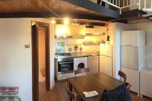 Appartamento ristrutturato zona Navigli - AbcAlberghi.com