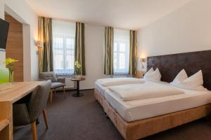 Gasthof & Hotel Goldene Krone, Szállodák  Iphofen - big - 36