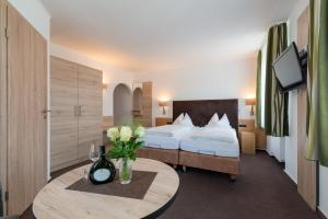 Gasthof & Hotel Goldene Krone, Szállodák  Iphofen - big - 25