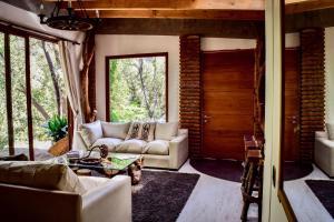 Casa de Piedra Entre Bosque y Río - Hotel - El Arrayán