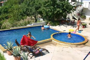 Family Hotel Joya, Hotel  Varna - big - 23