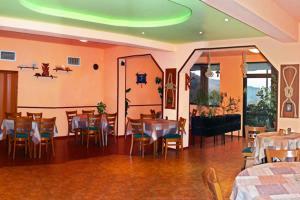 Family Hotel Joya, Hotel  Varna - big - 16