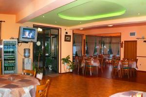 Family Hotel Joya, Hotel  Varna - big - 9