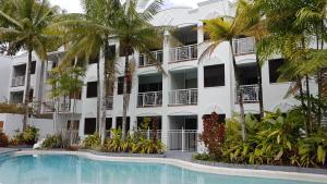 Alassio Palm Cove