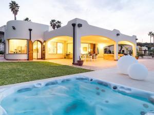 obrázek - Modern Villa in Costa Saracena with Terrace