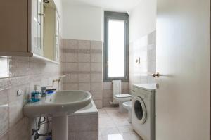 Bright and cozy flat ner NAVIGLI/IULM/TORTONA - AbcAlberghi.com