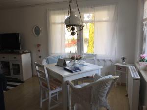 Ferienbungalow Klein Schweden, Apartments  Ostseebad Koserow - big - 15