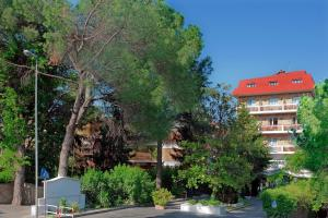 Pinewood Hotel Rome, Hotely  Rím - big - 38