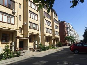 2-kh komnatnaia kvartira - studiia - Krasnyy Desant