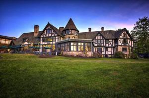 Punderson Manor Resort & Conference Center - Hotel - Burton