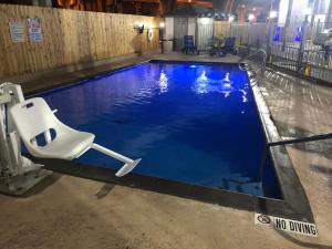 Super 8 by Wyndham San Antonio Downtown / Museum Reach, Motels - San Antonio