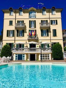 Caroline Hotel - Ghirla