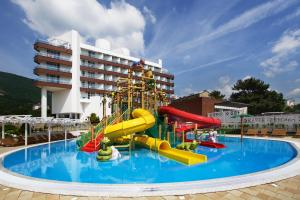 Отель Alean Family Resort & SPA Biarritz 4*