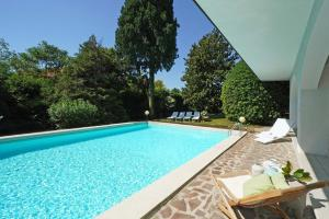 Villa Gecko, lovely family villa with private pool 100m from lake and shops, Ville  Gardone Riviera - big - 24