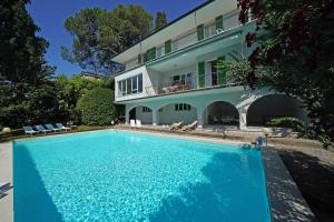 Villa Gecko, lovely family villa with private pool 100m from lake and shops, Villas  Gardone Riviera - big - 3