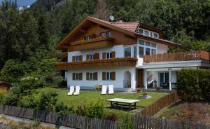 Haus Aron - Accommodation - Bruneck-Kronplatz