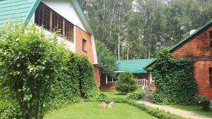 Guest House Dom S Bilyardom - Tatarinovo