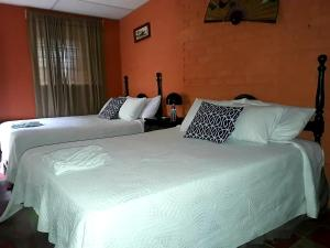 Large Twin Room Villa Ikal hotel