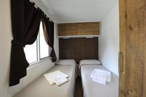 Camping Bella Italia, Комплексы для отдыха с коттеджами/бунгало  Пескьера-дель-Гарда - big - 48
