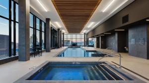 AC Hotel by Marriott Montreal Downtown, Отели  Монреаль - big - 13