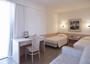 Amarilia Hotel, Отели  Афины - big - 6