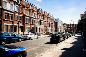 Luxury Top Floor Home In West Kensington W/Terrace, Ferienwohnungen  London - big - 15