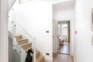 Luxury Top Floor Home In West Kensington W/Terrace, Ferienwohnungen  London - big - 29