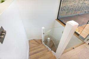 Luxury Top Floor Home In West Kensington W/Terrace, Ferienwohnungen  London - big - 7