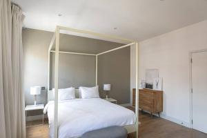 Luxury Top Floor Home In West Kensington W/Terrace, Ferienwohnungen  London - big - 31