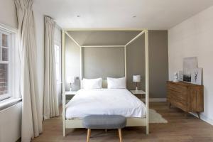Luxury Top Floor Home In West Kensington W/Terrace, Ferienwohnungen  London - big - 36