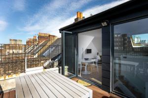 Luxury Top Floor Home In West Kensington W/Terrace, Ferienwohnungen  London - big - 38