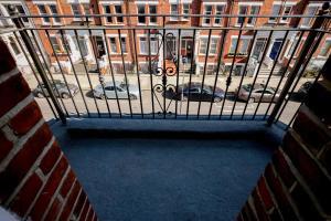 Luxury Top Floor Home In West Kensington W/Terrace, Ferienwohnungen  London - big - 39