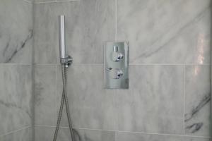 Luxury Top Floor Home In West Kensington W/Terrace, Ferienwohnungen  London - big - 45