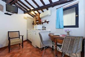 Rome Accommodation Navona Apartment