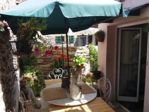 Casa Med Holiday Home, Ferienhäuser  Isolabona - big - 1
