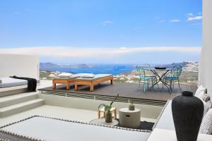 White & Co. La Torre Suites - Пиргос
