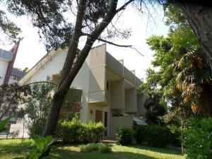 villa ARIANNA - AbcAlberghi.com
