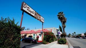 El Royale Hotel - Near Universal Studios Hollywood - Los Angeles