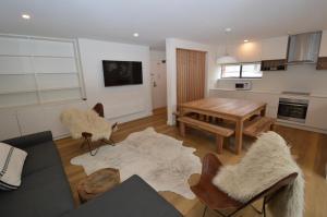 Mowamba A1 - Apartment - Thredbo