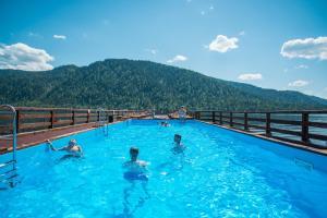 Туристский комплекс Горное Озеро, Артыбаш