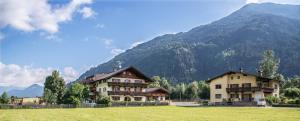 Ferienhof Stadlpoint - Accommodation - Ried im Zillertal