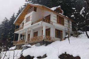 Cottage with parking in Manali, by GuestHouser 20050
