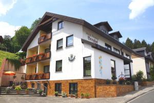 Hotel Garni Berghof - Frammersbach